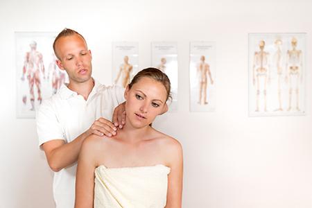 Osteopathische Behandlung zur Schmerzlinderung